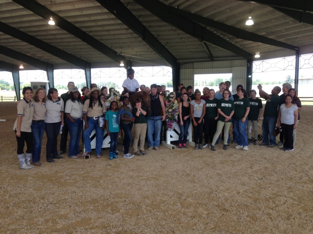 Dancer with riders, volunteers, judges, instructors and others at 2013 Show Off. (PETS photo)